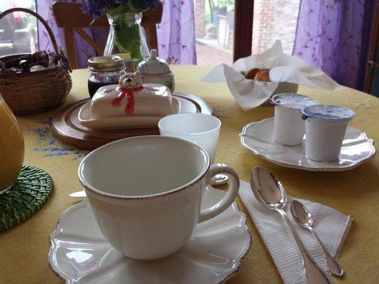 Cascina Armonia: breakfast