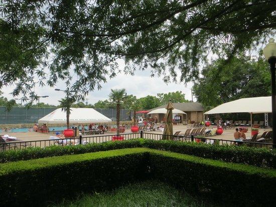Hilton Anatole : Outdoor pool