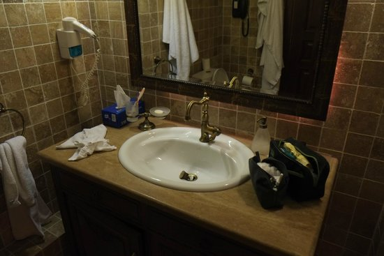 Il bagno sanitari villeroy & boch picture of domaine kalaitzis