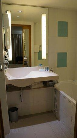 Novotel Paris 13 Porte d'Italie: Muito limpo.