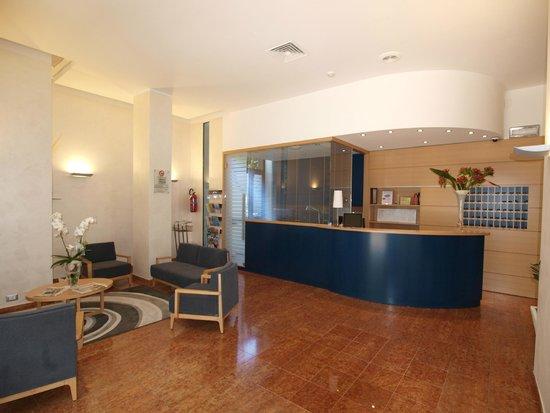 Hotel Bella Venezia Mare: Hall