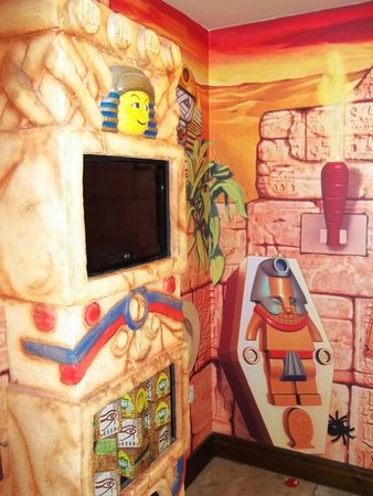 LEGOLAND Resort Hotel: TV in the kids room