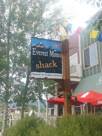 Everest MoMo Shack