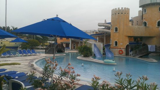 Sunscape Cove Montego Bay: Water park steps from front door