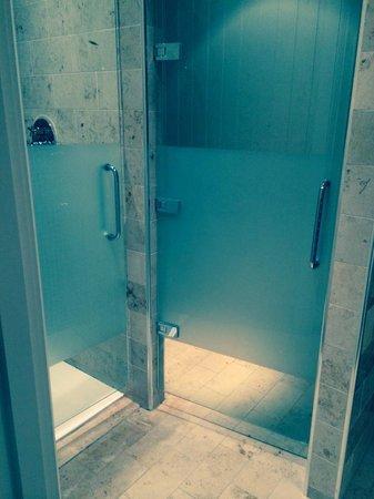 Lough Eske Castle, a Solis Hotel & Spa: Shower