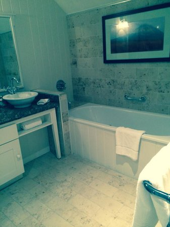Lough Eske Castle, a Solis Hotel & Spa: Tub