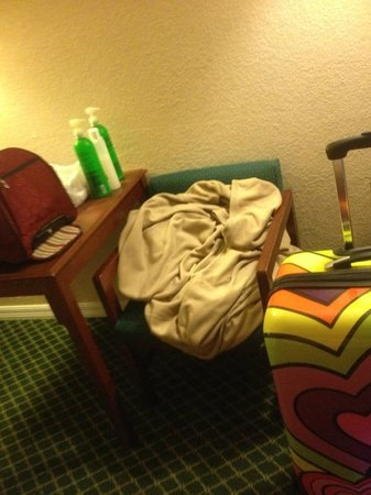 "BEST WESTERN Orlando West: Another photo of ""new"" room they moved us to, not made up"