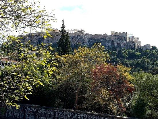 Adrianou Street: Acropolis hill