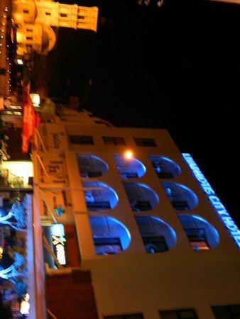 Livadhiotis City Hotel: esterno