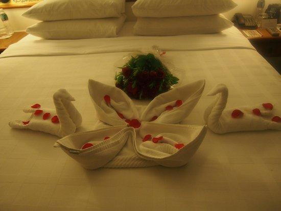 Trident, Jaipur : bed deco