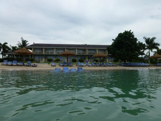 Sunscape Cove Montego Bay: Looking back at Oasis from ocean