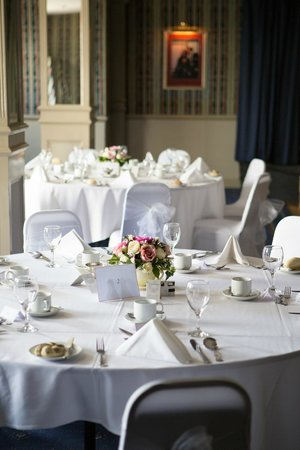 The Cliff Hotel: Room ready for our Wedding Breakfast