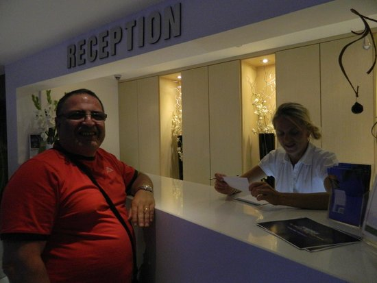 Livadhiotis City Hotel: reception