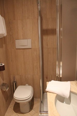 Albergo Santa Chiara : Bathroom
