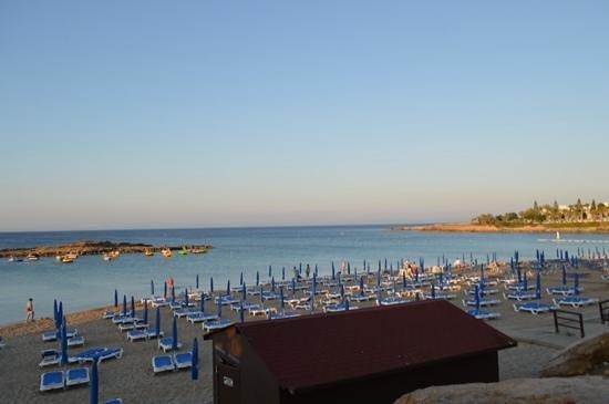 Flokkas Hotel Apts.: Пляж