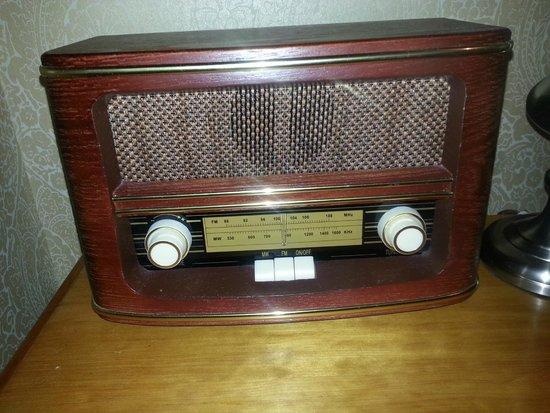 Fretheim Hotel: Radio antigo no quarto