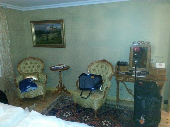 Fretheim Hotel: Quarto com moveis de epoca