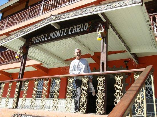 Hotel Monte Carlo : Chegando ao hotel depois de um passeio