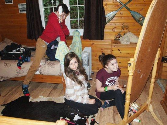 Lledr House Hostel: One large mirror - three children
