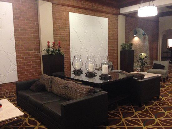 Holiday Inn Hotel & Suites Historic District Alexandria: Холл