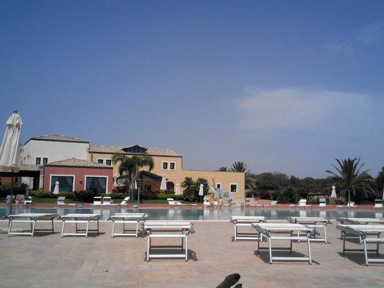 Residence Marsa Sicla: Un'altra paradisiaca angolazione dalla piscina....