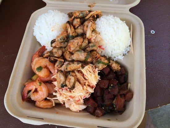 Da Poke Shack: Kimchee shrimp, poke, mussels, spicy crab.