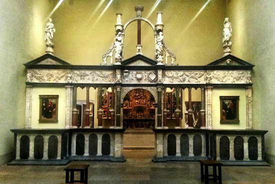 Le musée d'art de Philadelphie : Choir screen from the chapel of the chateau of Pagny