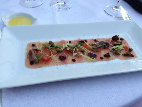 El Olivo: Tuna carpaccio.