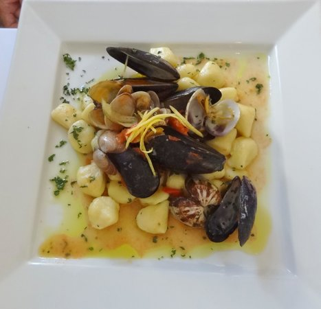 Cucina Italiana: Perfect pasta with very fresh seafood