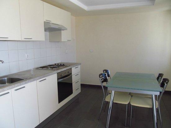 Aroma Creta Hotel Apartments & Spa: Kitchen