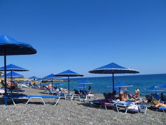 Aroma Creta Hotel Apartments & Spa: Beach down the road