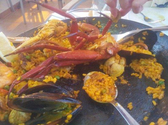 Rapha's La Terracita: Halfeaten fish-paella