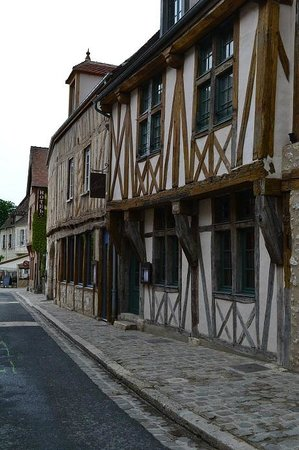 Provins : Houses in the newer (lower) part of the town