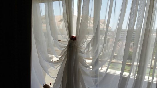 Kirman Belazur Resort and Spa: Perde suslemesi