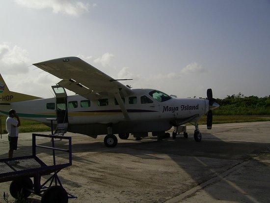 Hamanasi Adventure and Dive Resort: Small plane to Hamanasi or 2.5 hour car ride.