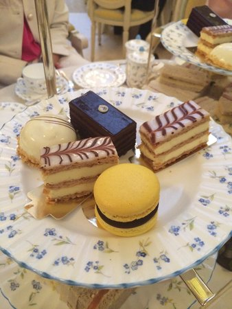 The Ritz London : Delicious pastries
