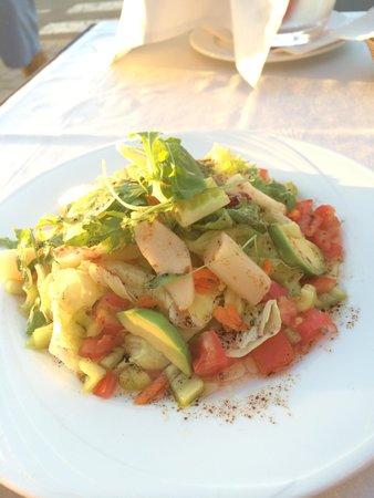 Es Mollet: Vegetable salad. Hmmm so tasty!Fantastic!