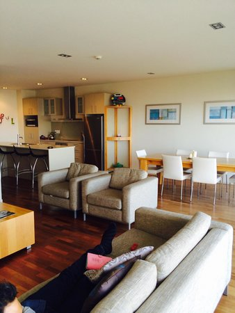 The Waterfront Suites - Heritage Collection: lounge