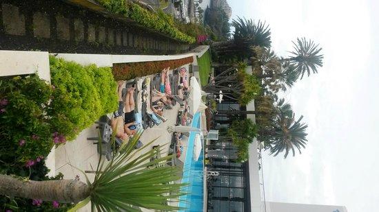 Pestana Casino Park Hotel : PISCINA E PARCO