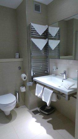 Park Plaza Histria Pula: Great bathroom