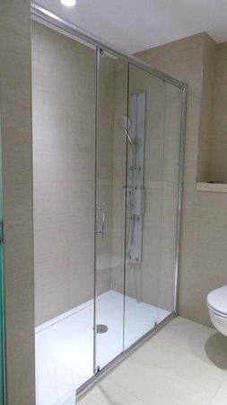 Park Plaza Histria Pula: Bathroom