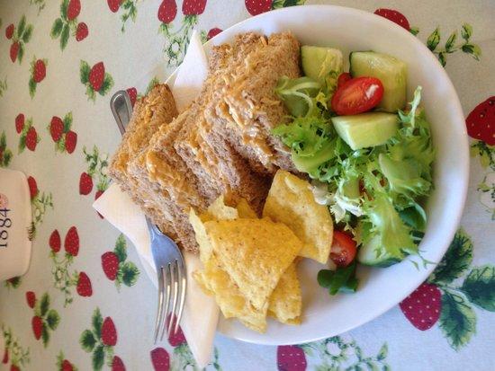 The Strawberry Thatch: Fresh Bembridge crab sandwich