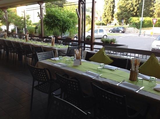 Albergo il Giardinetto: ristorante dell'albergo terrazza esterna