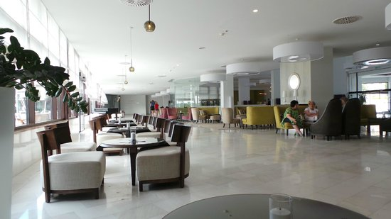 Park Plaza Histria Pula : Lobby Bar Seating for after dinner drinks/morning coffee