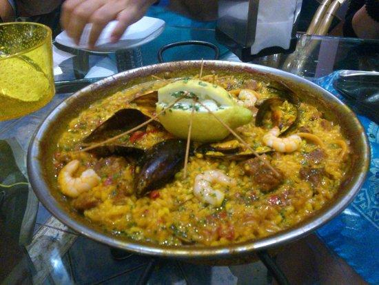 El Pimenton: Paella carne e pesce