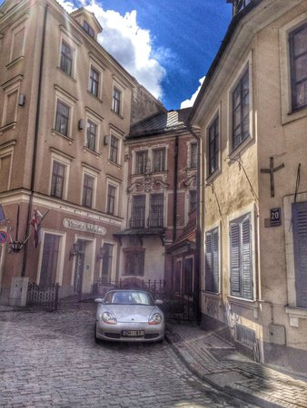 Neiburgs Hotel: Знаменитые соседи