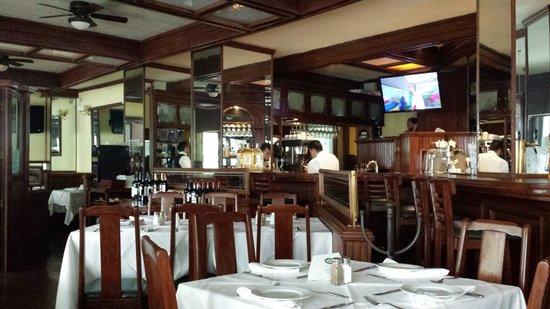 Bros Oyster Bar