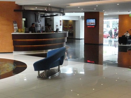 Mercure Hotel Alameda: front desk