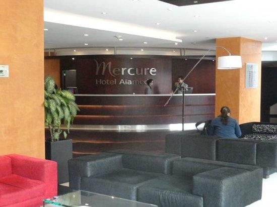Mercure Hotel Alameda Quito: frontdeak