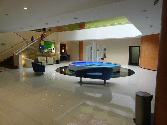 Mercure Hotel Alameda Quito: Lobby